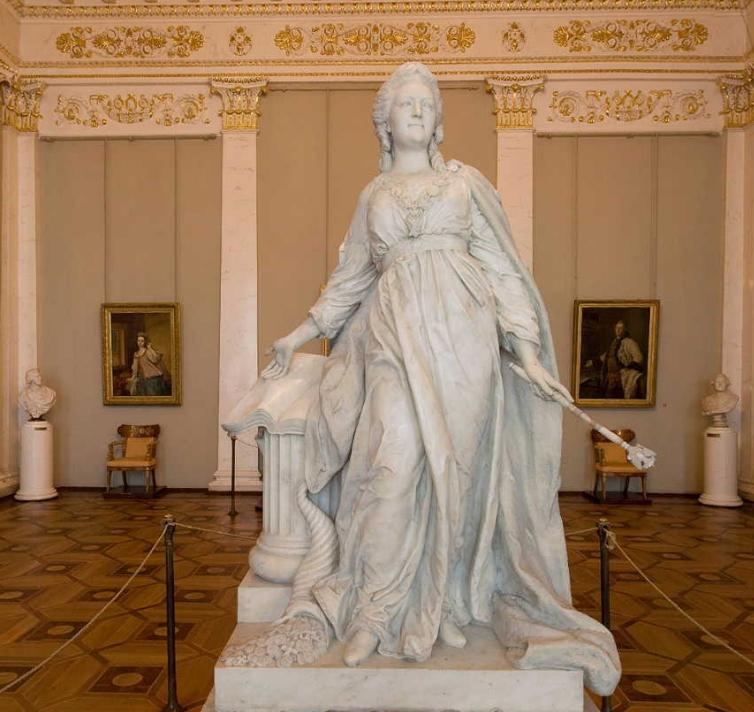 В начале 20 века зимний превратили в зал для заседаний Государственной думы.  Но дворец сохранился как своеобразный...